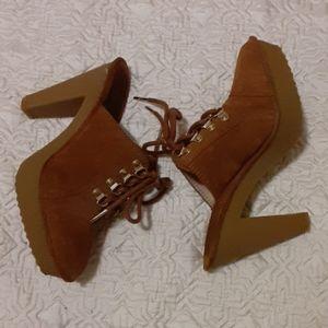 Michael Kors slip leather shoe